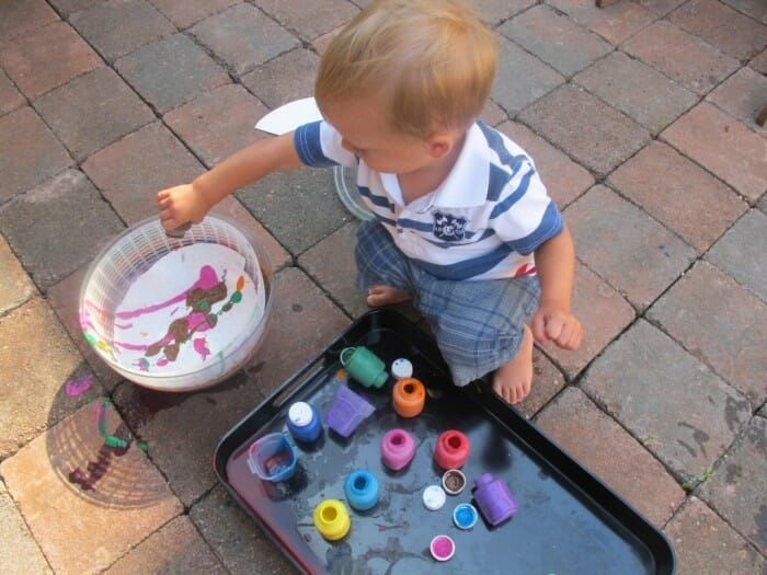 Salad Spinning Art Activity for Preschoolers