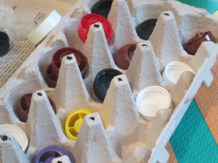 Easy sorting activity with bottle caps & an egg carton