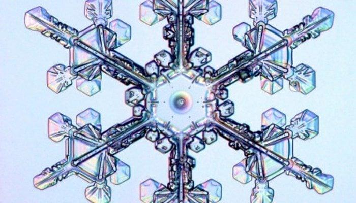 MONTESSORI MATH COUNTERS SNOWFLAKES FEATURE