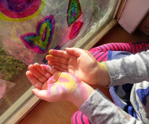 Childhood-101-Catching-Colours_Art-and-Science